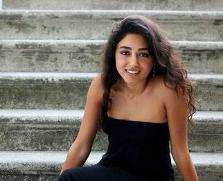 Golshifteh Farahani banned from Iran over topless photo thumbnail