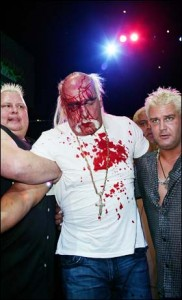 Hulk_Hogan_bloodied_2