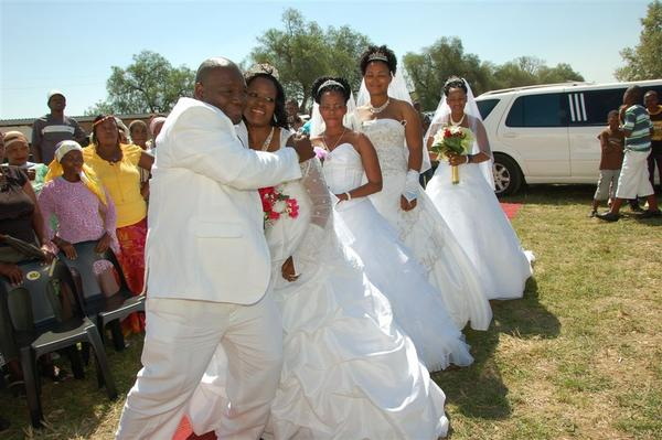 South African man marries four women same time to save money thumbnail