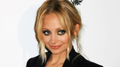 Nicole Richie Hurt In Beverly Hills Car Accident thumbnail