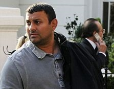Shamed boxer Prince Naseem Hamed eats his way into the heavy-weight category thumbnail